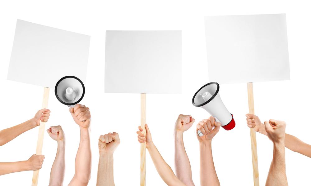 """Ένα ακόμα """"δώρο"""" στους εργοδότες η επιχείρηση περιορισμού του απεργιακού δικαιώματος"""