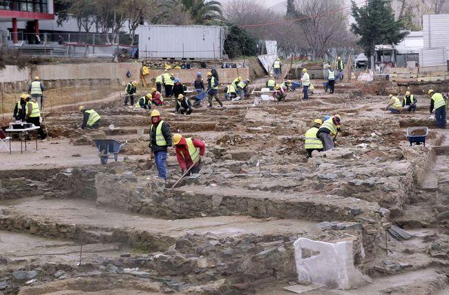 Το Ε.Κ.Θ. στηρίζει τον αγώνα των έκτακτων αρχαιολόγων