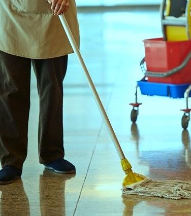 Ε.Κ.Θ.: Να αποφυλακιστεί η 53χρονη καθαρίστρια