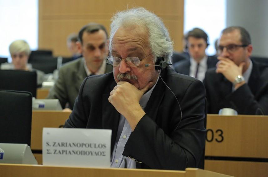 Το Ε.Κ.Θ στηρίζει τον ευρωβουλευτή του ΚΚΕ  και πρώην γενικό γραμματέα του ΕΚΘ, Σωτήρη Ζαριαννόπουλο.