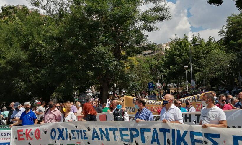Δυναμική απάντηση στο προωθούμενο εργασιακό νομοσχέδιο η σημερινή  μαζική απεργιακή κινητοποίηση του ΕΚΘ στη Θεσσαλονίκη